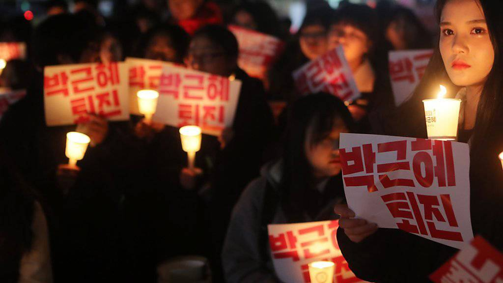 Mahnwache von Studierenden in  Jeonju gegen Präsidentin Park Geun Hye