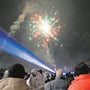 Das Silvester-Feuerwerk in Rheinfelden lockt jedes Jahr viele Zuschauer an.
