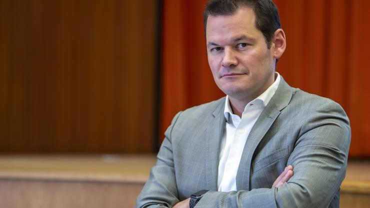 Der Genfer Staatsrat Pierre Maudet muss die Leitung seines Departements vorübergehend abgeben.