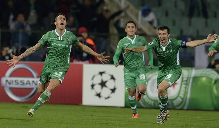 Yordan Minev (links) bejubelt seinen entscheidenden Treffer.
