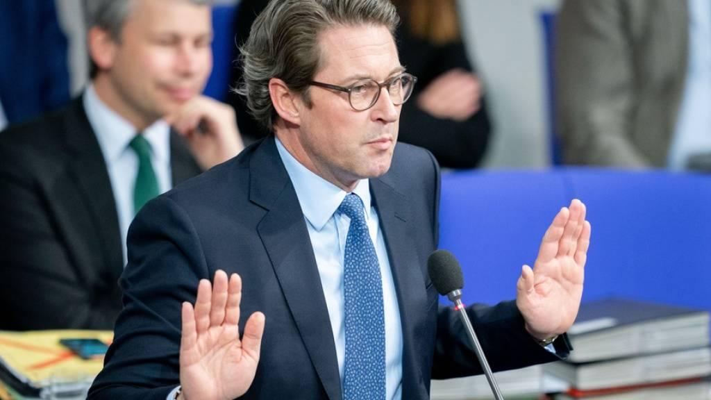 Der deutsche Verkehrsminister Andreas Scheuer gerät immer mehr unter Druck: Eine Untersuchungsausschuss soll nun das Desaster um die Einführung der Pkw-Maut untersuchen. (Archivbild)