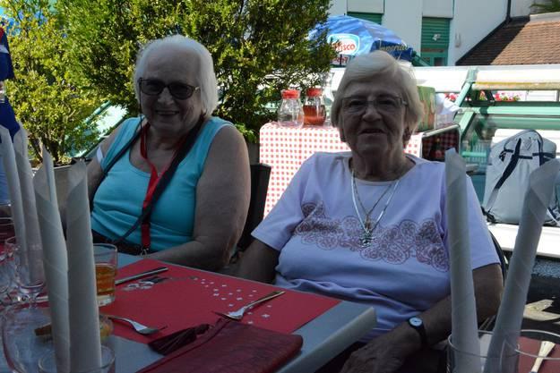 Susi Götsch und Heidi Frei freuen sich über die Musik