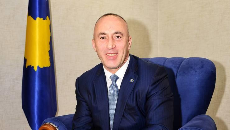 Der kosovarische Regierungschef Ramush Haradinaj hat jahrelang als Zimmermann und Türsteher in der Schweiz gearbeitet. Er will mehr Schweizer Besucher in sein Land locken.