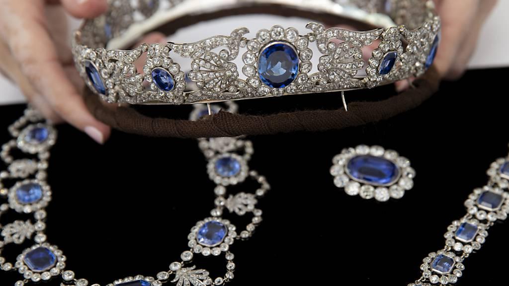 Stephanie de Beauharnais, Adoptivtochter von Kaiser Napoléon, trug einst diesen Schmuck. Er wurde am Mittwoch in Genf für insgesamt 1,5 Millionen Franken versteigert.