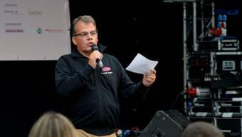 Harri Kunz, Chef Up Event, begrüsst das Publikum noch etwas länger in der Attisholz-Arena. (Archiv)