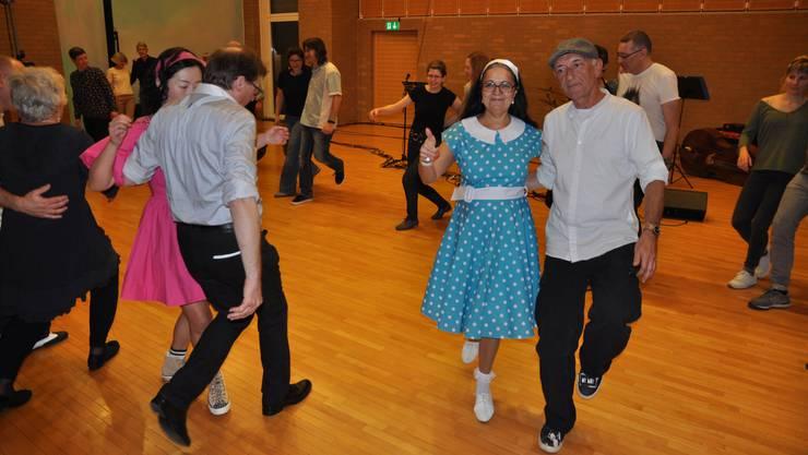 Tanz aus den 1920er-Jahren feierte ein Comeback in der Dietiker Stadthalle.