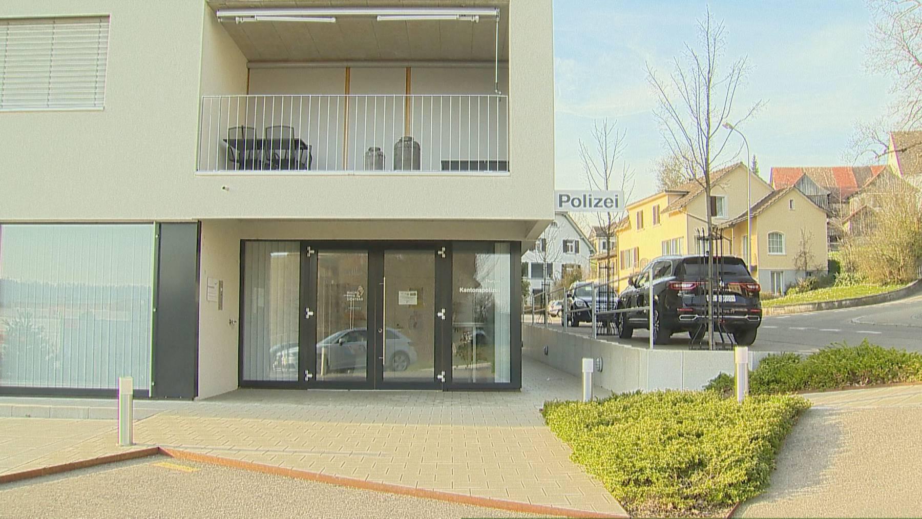Der Polizist arbeitete auf dem Polizeiposten in Sulgen als sich der Schuss löste.