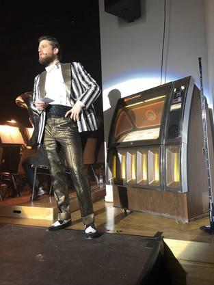 Auf der Bühne befand sich eine waschechte Jukebox.