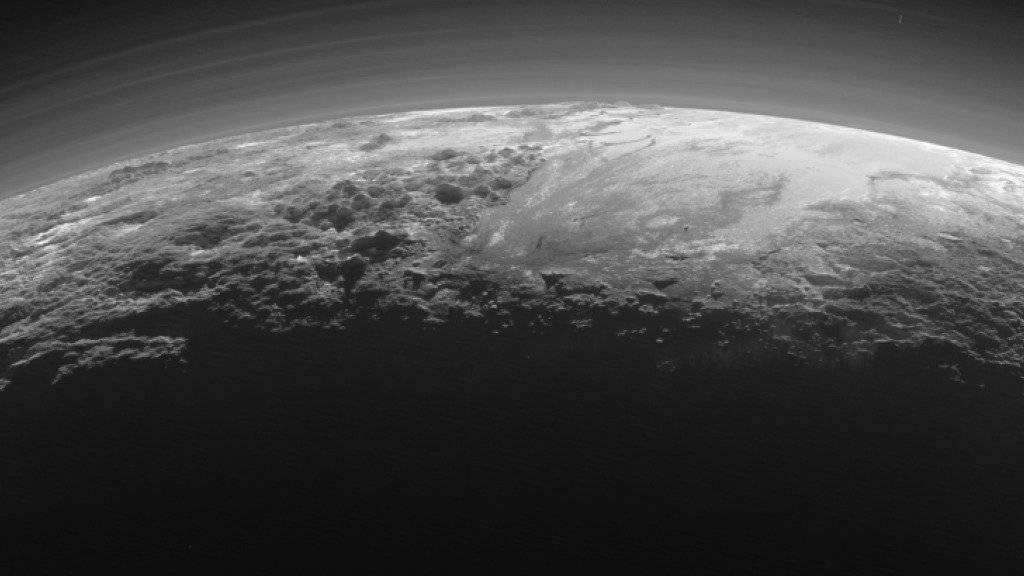 Neue Aufnahme von Pluto