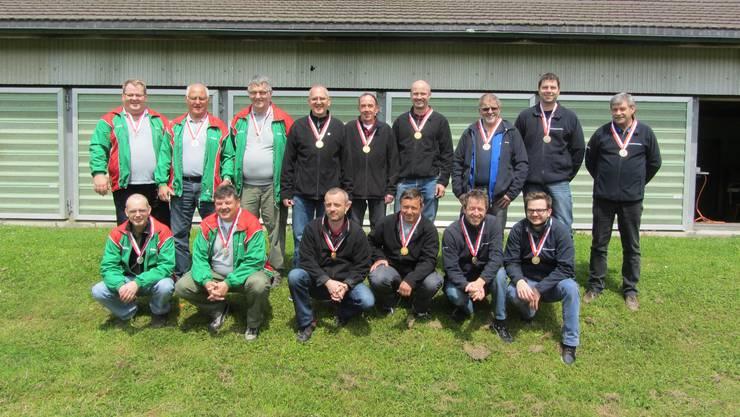 Sport - 2. Oekingen Schützengesellschaft. 1. Dornach Freischützen (Bloch Cornel, Werdenberg Guido, Iseli Hans, Stäuble Lorenz, Weber Teodoro). 3. Niederbuchsiten