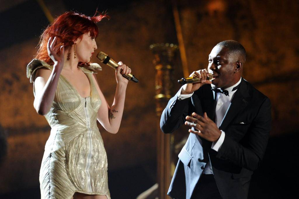 Dizzee Rascal mit Florence Welch (Florence and the Machine) (© Getty Images)