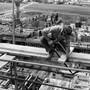 Das Spital Limmattal (das Bild zeigt einen Arbeiter im Jahr 1966) entstand quasi auf der grünen Wiese in Schlieren.