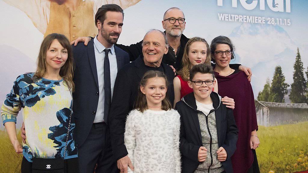 Das Filmteam von Heidi - mit Bruno Ganz in der Mitte - bei der Weltpremiere von Ende November in Zürich. Kinostart war am 10. Dezember.