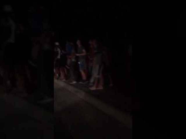In Bodrum rennen Leute in Panik auf die Strasse.