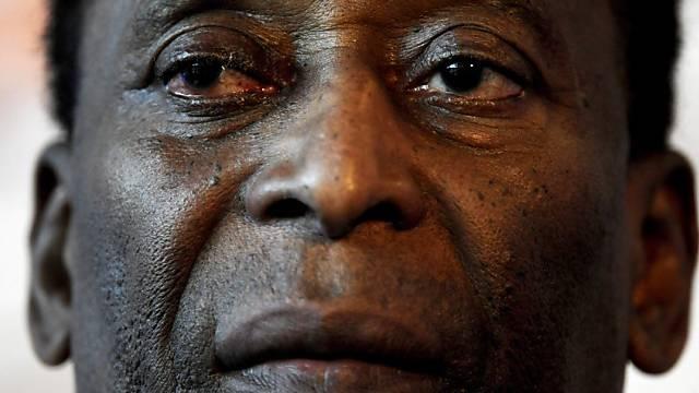 Fussball-Legende Pelé gibt aus dem Spital Entwarnung.