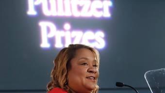 Dana Canedy gibt die diesjährigen Pulitzer-Preisträger bekannt.