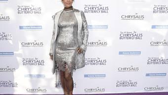 Blähungen oder Baby-Bäuchlein? Die Schauspielerin Halle Berry (50) trug am Chrysalis Butterfly Ball vom Samstag eine vielsagende Wölbung zur Schau.