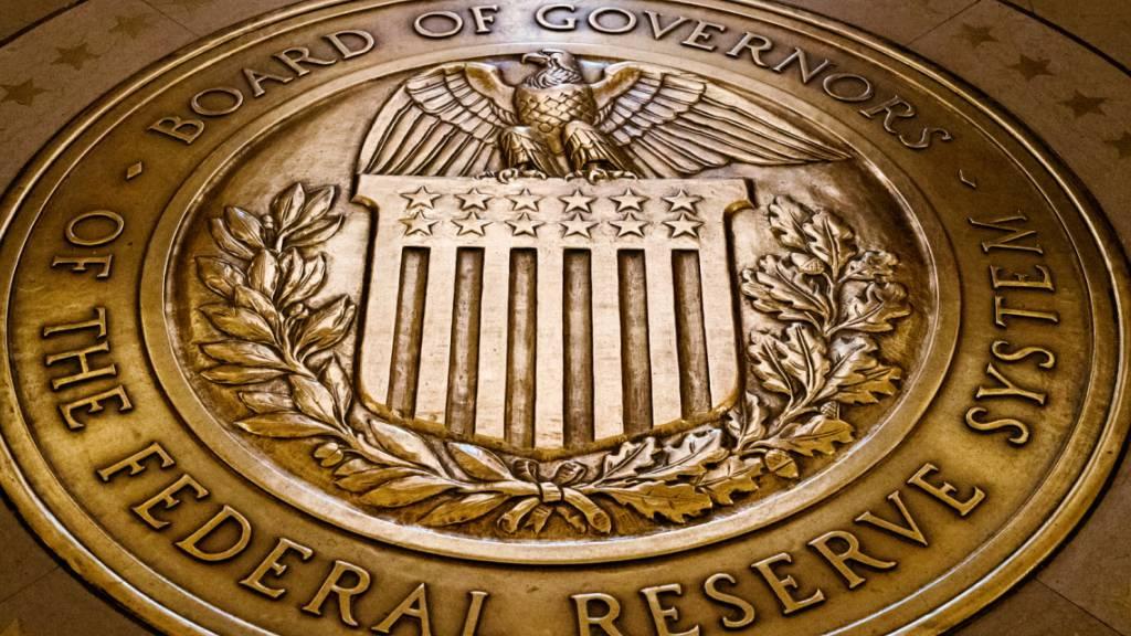 Die US-Notenbank Fed bringt weitere Massnahmen zur Stützung der Wirtschaft während der Coronakrise auf den Weg. (Themenbild)