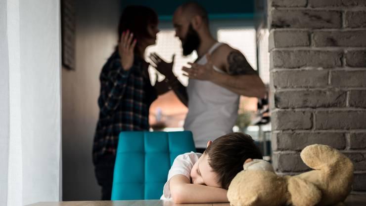 Kommt es zur Scheidung, wird oft auch über Alimentenzahlungen fürs gemeinsame Kind gestritten.