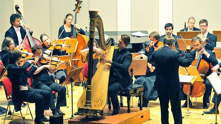 Der Harfenist Xavier de Maistre – sonst in den grossen Konzertsälen der Welt zu Hause – spielte den Solopart im berühmten «Concierto de Aranjuez». Remo Fröhlicher