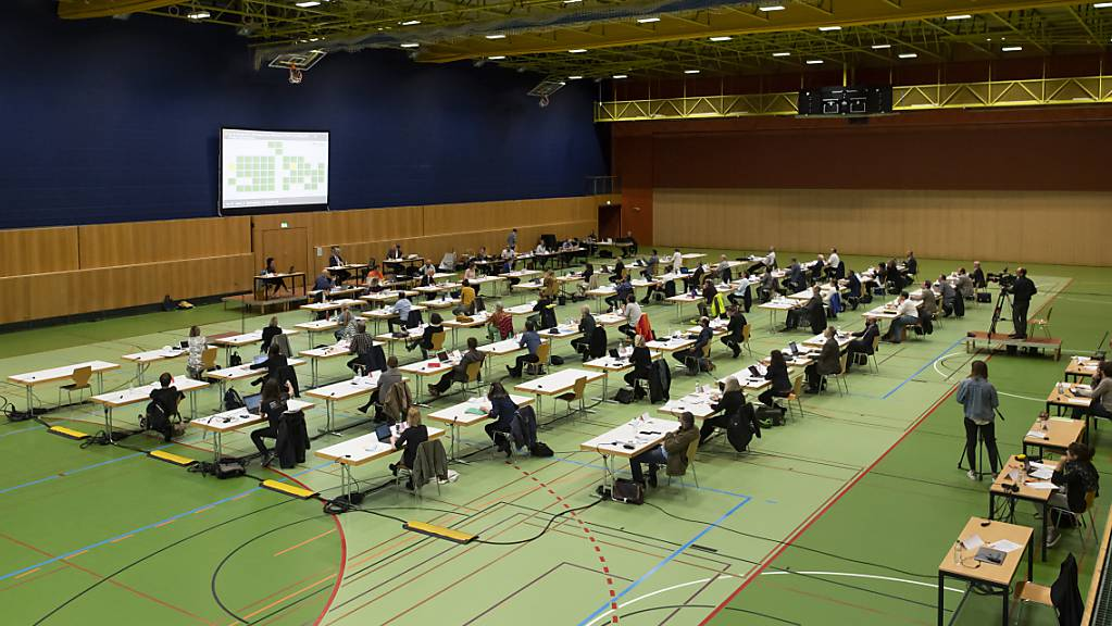 Das St. Galler Stadtparlament tagt während der Corona-Zeit in der Sporthalle Kreuzbleiche. Am 27. September wird es neu gewählt. (Symbolbild)