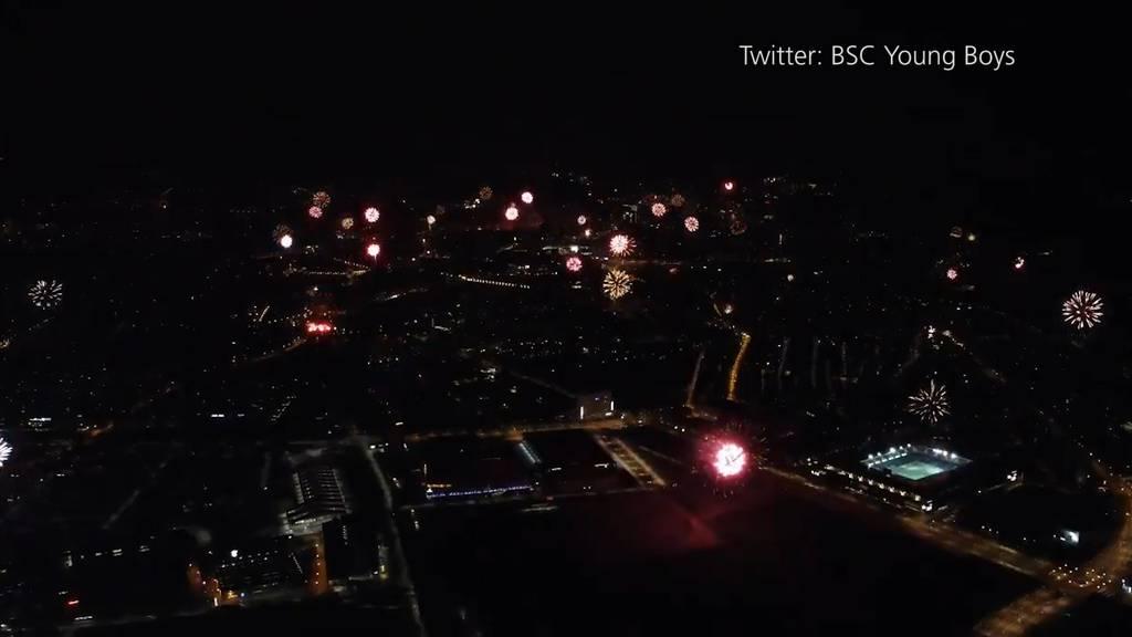 «Explosive» Meisterfeier: Berner Fans feiern YB mit Spektakel am Nachthimmel