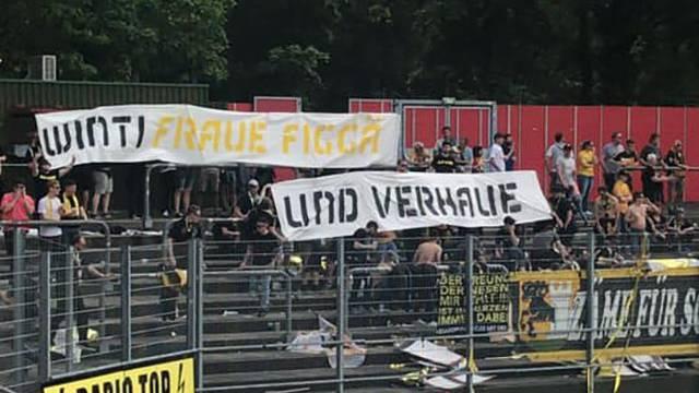 Geschmackloses Transparent der Schaffhausen-Fans.