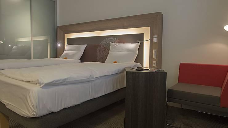 Wegen der Corona-Pandemie blieben in den Basler Hotels im ersten Halbjahr die meisten Hotelbetten leer. (KEYSTONE/Georgios Kefalas)