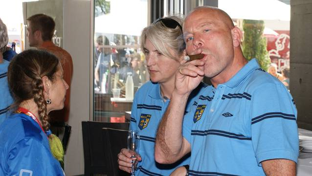 Hebi Wetzel (rechts) vor dem Cupfinal der Frauen im Jahr 2009. Foto: Biermayr