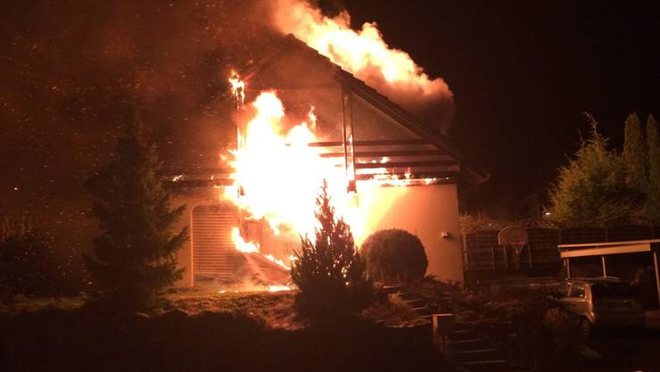 Das brennende Haus in Arch. (Archiv)