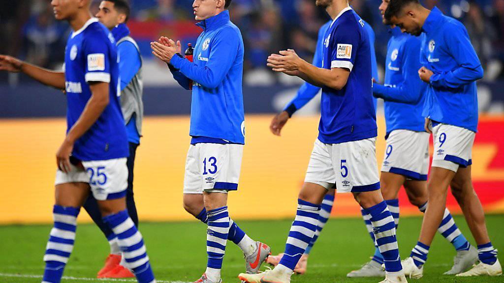 Hängende Köpfe: Schalke 04 wartet auch nach dem vierten Spiel der Saison auf den ersten Punkt