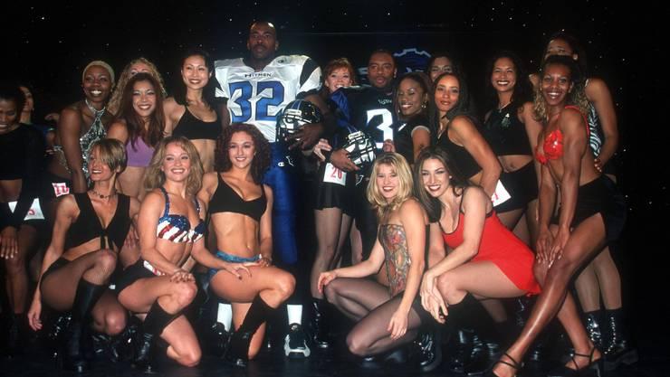 Cheerleader wurden zudem dazu ermutigt, amouröse Beziehungen mit Spielern einzugehen.