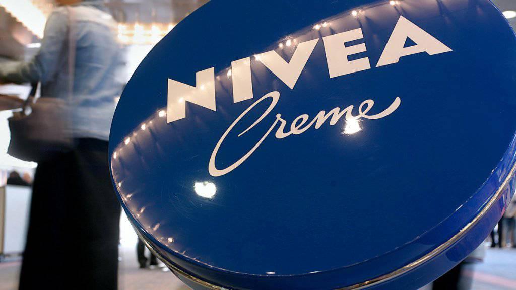 Die Nivea Creme ist eines der bekanntesten Produkte von Beiersdorf (Archivbild).