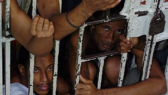 In der Dominikanischen Republik sind Häftlinge von polizeilicher Gewalt betroffen (Symbolbild)