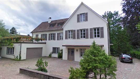 Frisch renoviert? Hildebrands Villa in Zürich. Google streetview