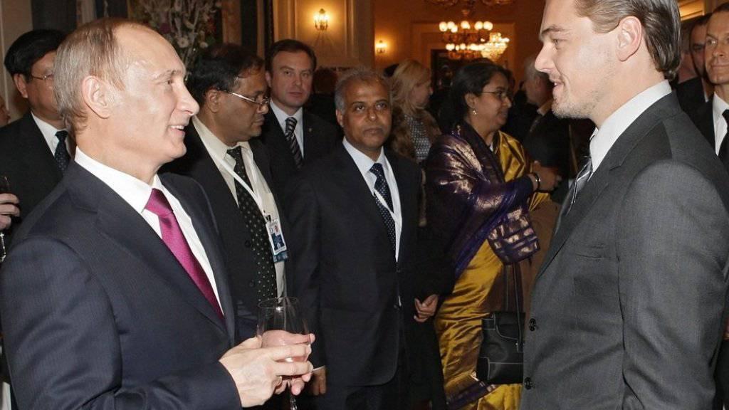 Leonardo DiCaprio 2010 bei einem Treffen mit Wladimir Putin. Der Schauspieler könnte sich vorstellen, in die Rolle des Politikers zu schlüpfen (Archiv).