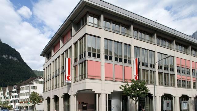 Die Glarner Kantonalbank in Glarus: Die Cheflöhne werden limitiert (Archiv)