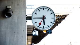 Symbol der Pünktlichkeit: Eine Schweizer Bahnhofsuhr.
