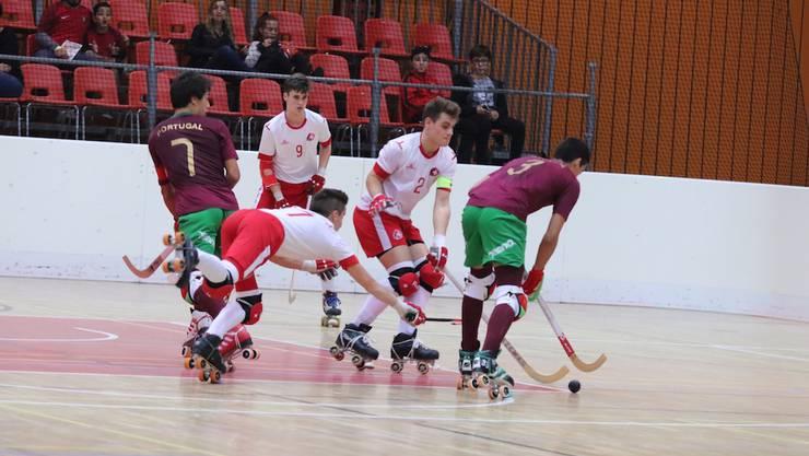 Trotz gutem Einsatz haben die Schweizer gegen die Portugiesen keine Chance.