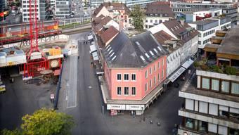 Der Badener Schlossbergplatz: Hier kam es zur Tat. (Archiv)