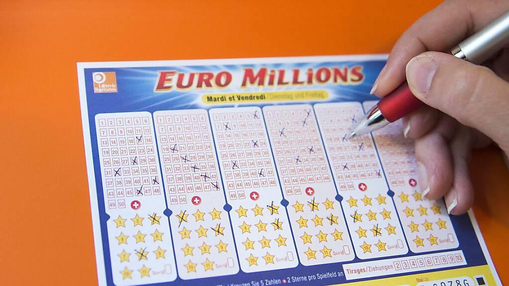 Ein Spieler oder eine Spielerin aus der Schweiz hat bei der Lotterie Euromillions den Jackpot geknackt und 230 Millionen Franken gewonnen. (Archivbild)