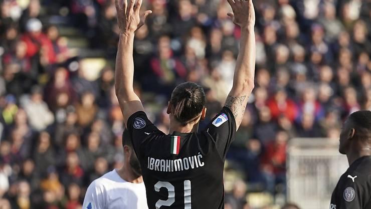 Zlatan Ibrahimovic lässt sich für seinen Treffer feiern