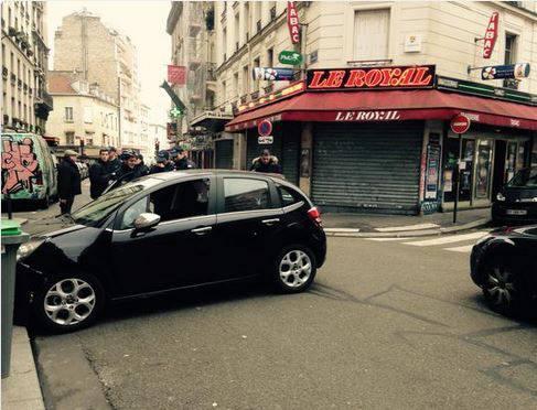 Nach Schiesserei in der Redaktion von «Charlie Hebdo» in Paris: Fluchtauto gefunden - Täter geflüchtet.