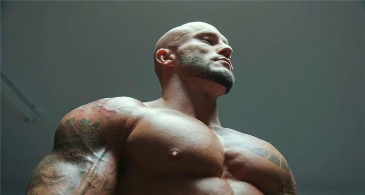 Muskelexzesse: Der Dokumentarfilm «Ta peau si lisse» porträtiert Bodybuilder in Kanada. Locarno Festival