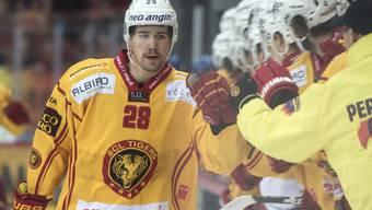 Wurde nach dem ersten Tor der SCL Tigers gefeiert: Yannick-Lennart Albrecht