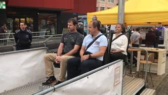 Mobilitätstag in Grenchen: Abteilungsvorsteher der Stadtverwaltung absolvieren den Crash-Test.