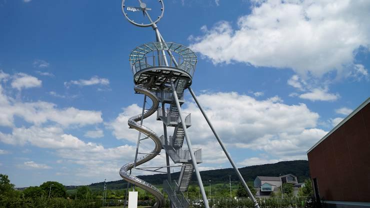 Die Rutsche vom «Vitra Slide Tower» ist 38 Meter lang und ihre Benutzung gratis.