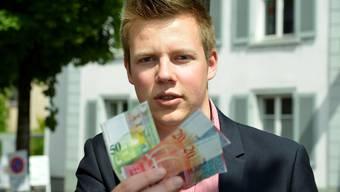 Bedürftige sollen unbürokratisch Geld erhalten – das ist für den Liestaler Joël Bühler auch nach seiner Maturarbeit klar.