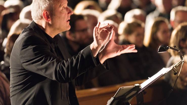 Richard Geppert dirigert die Vindonissa Singers.