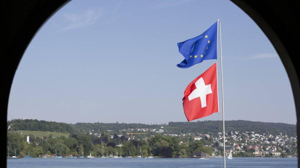 """Laut FDP-Präsident Philipp Müller braucht es ein """"reinigendes Gewitter"""" einer Initiative, um die Unterstützung des Volkes für die bilateralen Verträge auszuloten (Symbolbild)."""